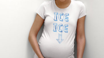 0f03a57b8824f 15 Most Hilarious Maternity Shirts We Could Find on the Internet